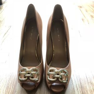 Brand new/NEVER worn tan leather peep toes